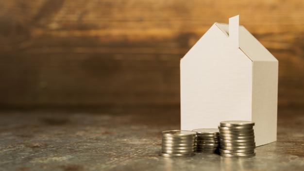 Notarios: la venta de viviendas cae un 2,9% en marzo, casi tres años...