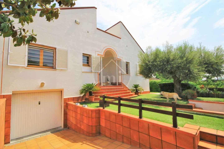 Casa en santa eulalia de ron ana la sagrera barcelona - Inmobiliaria la casa barcelona ...