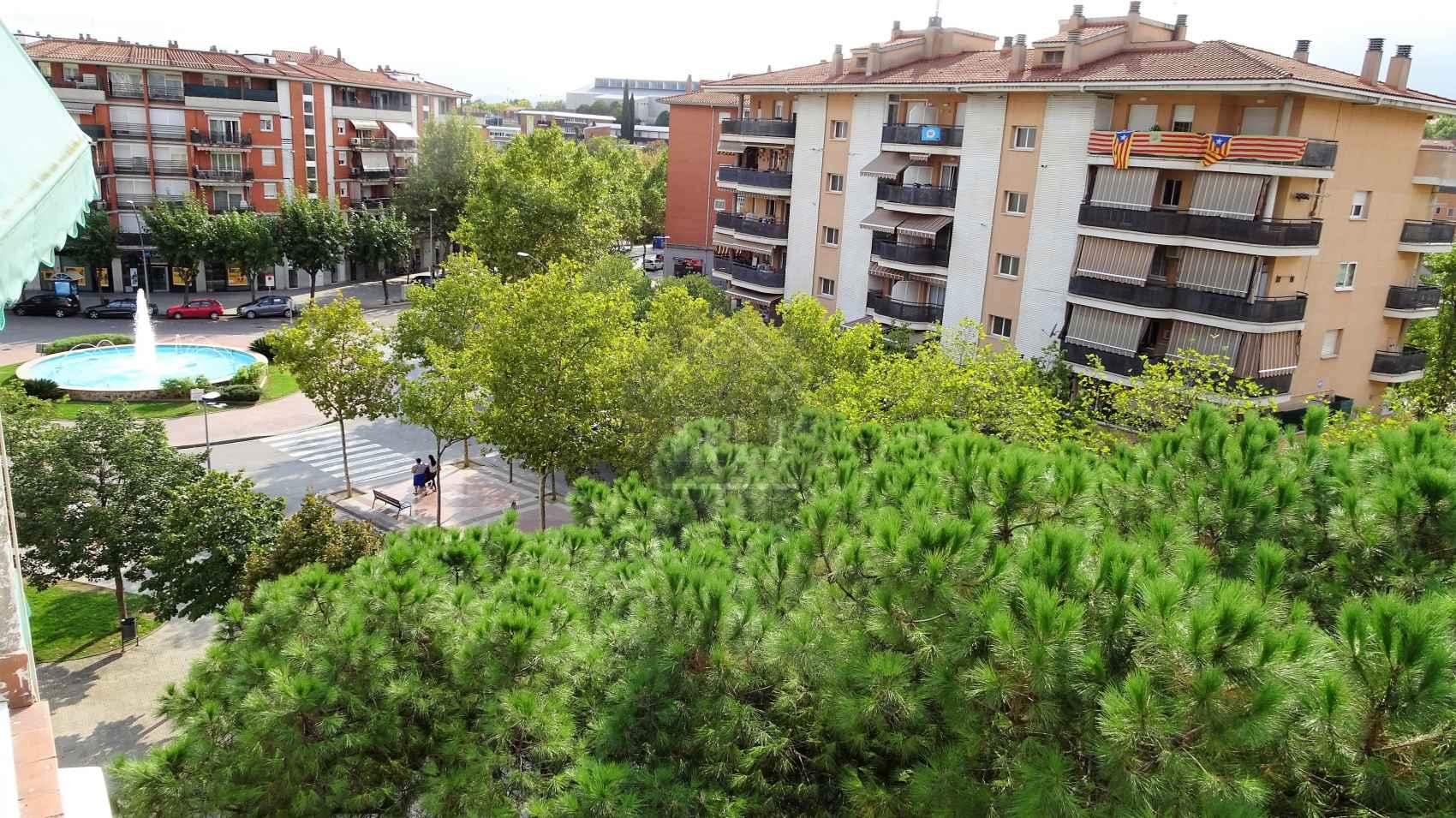 Piso en santa perp tua de mogoda centro barcelona for Piscina santa perpetua